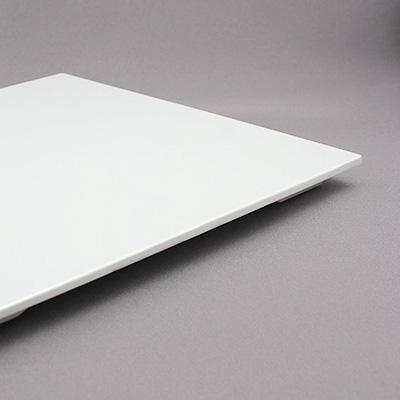 פלטות מוגבהות לבן